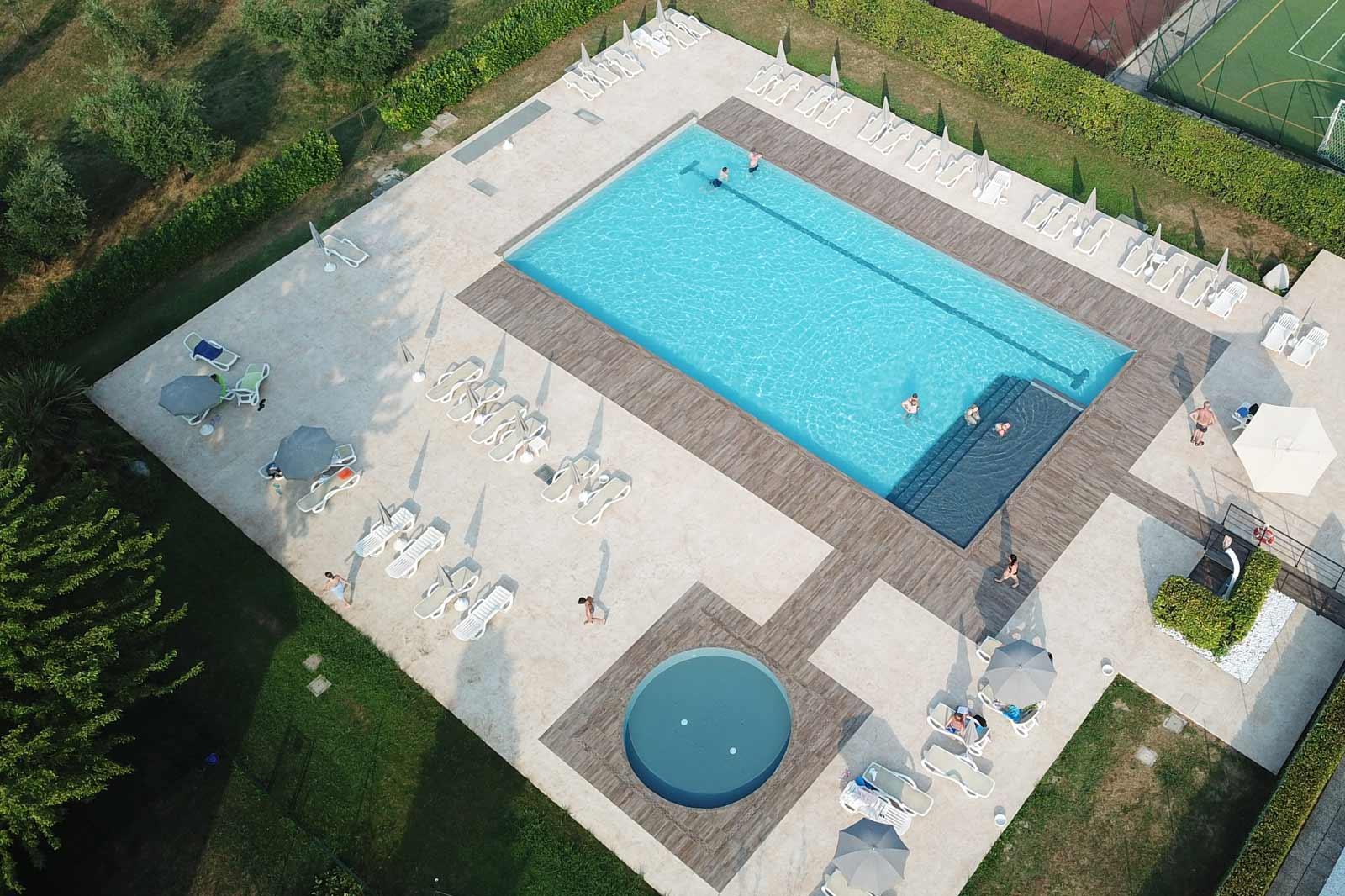 Swimming-pool Facility Agriturismo la Filanda on lake Garda Italy